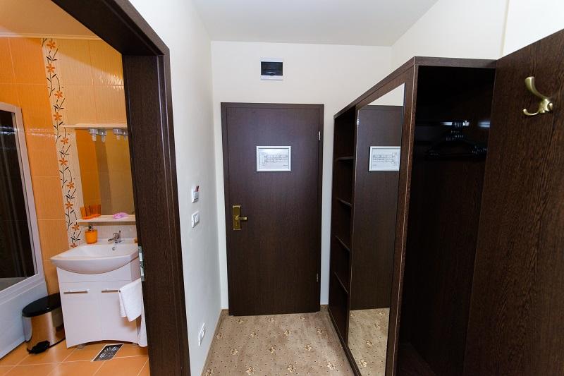 http://www.hotelmiky.ro/wp-content/uploads/2013/10/RAR_6172.jpg